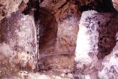 Yeseras en cueva